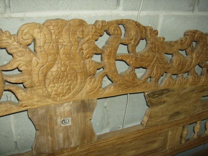Unieke Bank van Recycled Teakhout met houtsnijwerk
